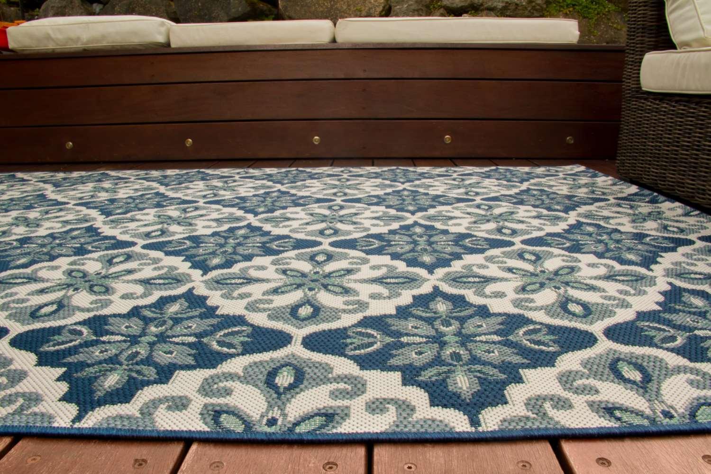 in und outdoor teppich dalarna design lilie global carpet. Black Bedroom Furniture Sets. Home Design Ideas
